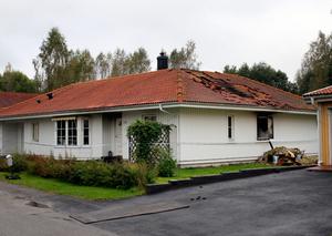 En brand utbröt i en villa i Idenor på lördagskvällen. Polisen har spärrat av området i väntan på teknisk undersökning.