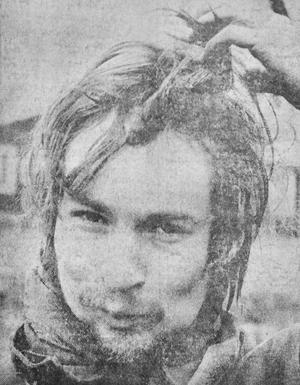 Per-Anders Abrahamsson var ännu en långhårig och skäggig I12-värnpliktig från Ulricehamn, dessutom kompis med Lars Norneby som det blivit sådant rabalder kring året innan. Men för nästa kull värnpliktiga skulle det bli hårnät på.
