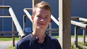 Johan Manske är 18 år gammal och har precis tagit studenten från Rudbeckianska gymnasiet i Västerås. I höst ska han bli pansar- och skyttesoldat.