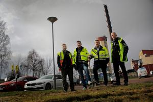 Niklas Marklund och Andreas Borg från Österling Bygg , tillsammans med Anders Engdahl, tillförordnad vd på Hedemora Energi, och Bengt Salåker - projektledare.