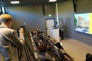 Presskonferens hos Epiroc, exportföretag i Örebro.