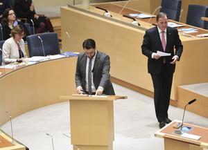 """Jimmie Åkesson och hans parti Sverigedemokraterna (till vänster) har utnyttjat det politiska tomrum som """"LAK"""" menar att Stefan Löfven (till höger) och hans parti  Socialdemokraterna lämnat. Foto: Fredrik Sandberg/TT"""