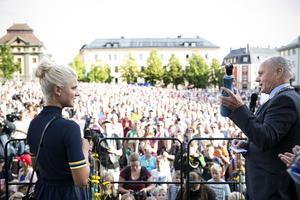 Guldfirandet av Jenny Rissveds lockade storpublik till Stora torget i hennes hemstad Falun.