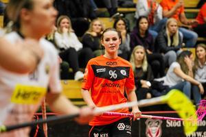 Amilia Sjöström – en av många som fortsätter att spela med Sundsvalls IBF.