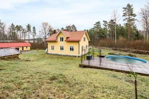 Foto: Inger Svensson, Husfoto. Villan i Zinkhyttan står på ofri grund men lockar många att ta sig en virtuell promenad.