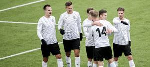Viktor Prodell (t v) kräver fina inlägg. Det kommer att bli Kevin Wrights främsta uppgift i ÖSK, enligt Sportens Fredrik Carlsson.
