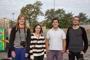 Alice Kenttä, Josefina Bognar, Rasmus Casserstedt och Lucas Sjödin var några av de eleverna som arbetade fram mönstret till kupolen med Sepidar Hosseini.