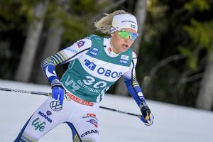 Unga Frida Karlsson inledde i rasande fart, men lyckades inte hålla den loppet igenom.