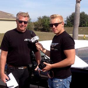 Gottfrid Krantz med pappa Lars-Åke vid huset i Cape Corall i Florida.
