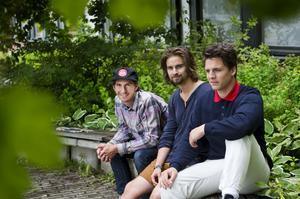 Patrik Witkowsky, Joel Lundberg och Daniel Brännström från Alnö är drivkrafterna bakom inspelningen av