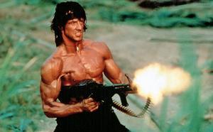 Kolla vad tuff. Ur första Rambo-filmen.