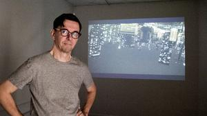 Lauri Astala låter vinklar och perspektiv skifta på oväntade sätt i