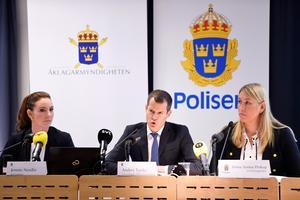 Åklagarmyndigheten i Stockholm håller pressträff om utvecklingen i utredningen som rör kirurgen Paolo Macchiarini som tidigare varit anställd på Karolinska universitetssjukhuset där han utfört operationer av luftstrupar. Bild: Fredrik Sandberg / TT
