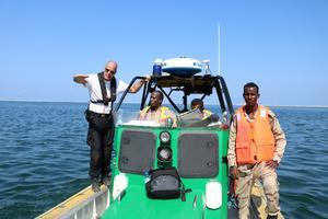 Båtarna är tekniskt avancerade och den lokala kustbevakningen har tidigare inte navigerat med liknande båtar.