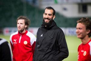 Ahmad Khreis tränade lätt på torsdagen och förväntas vara med i truppen mot Kuben trots skadekänning under veckan.