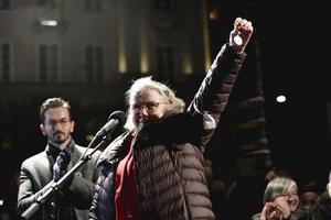 Christina Doctare tänker lämna tillbaka sin medalj i protest att kung Carl Gustaf inte markerade mot litteraturpristagaren Peter Handke i litteratur under prisceremonin. Foto: Stina Stjernkvist / TT
