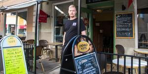 Kristoffer Gråberg driver sedan ett par månader Café  Silver.