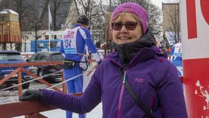 Kristina Höij hade klätt på sig rejält när hon skulle heja på dotterna Hanna Höij.