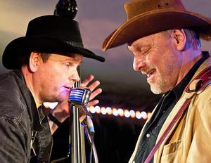 J-O Gullö (till vänster) och Per Olof Sjöström spelar bluegrass. Foto: Privat