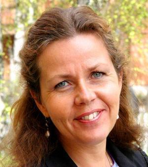 Den 43-åriga Cecilia Wikström från Uppsala prästvigdes 1994 och biträdde senast i söndags Härnösands stifts kommande biskop, domprosten Tuulikki Koivunen Bylund, vid en högmässa i Uppsala domkyrka.