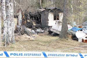 Huset totaltförstördes i branden, endast skalet fanns kvar.