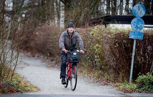 """Anders Olofsson tycker att fler borde cykla, både för miljöns skull och sin egen. """"Att cykla är bra vardagsmotion"""