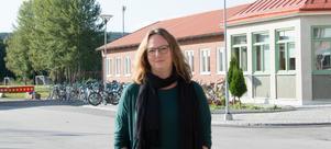 Jessica Schiefauer blir ofta inbjuden att berätta om sina böcker i högstadie- och gymnasieskolor. I går kom hon till Bergsåkers skola.