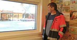Thony Eriksson, byggprojektledare i Surahammar, i lokalen som ska bli mödravårds- och barnavårdcentralens gemensamma entré.