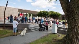 """I år samlade """"Gå mot ALS"""" drygt 300 deltagare, som vandrade ett varv runt Scaniasjön den 24 juni."""