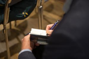 Östling signerade drygt 200 böcker.