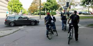 I Västmanlands län har bara var tredje cyklist hjälm på sig i trafiken, enligt NTF:s mätning. I Stockholm använder tre av fyra cyklister hjälm.