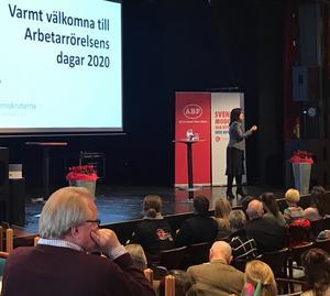 Arbetsmarknadsminister Eva Nordmark (S) talade inför hundratals socialdemokrater från Dalarna på fredagseftermiddagen.