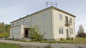 Hotell Borgvik innan rivningen inleddes. Byggnaden hade stått tom sedan 2007, då verksamheten upphörde.