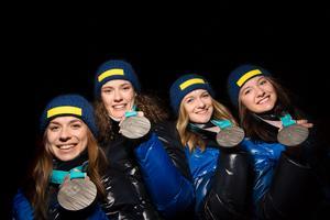 Anna Magnusson, Hanna Öberg, Mona Brorsson och Linn Persson visade att svenskt skidskytte är av yttersta världsklass efter deras silver i stafetten. Bild: Joel Marklund/Bildbyrån