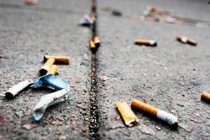 I Södertälje består över 60 procent av nedskräpningen av cigarettfimpar.