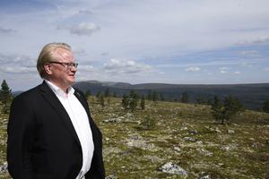 Sveriges försvarsminister Peter Hultqvist ser en framtid för Älvdalens skjutfält.