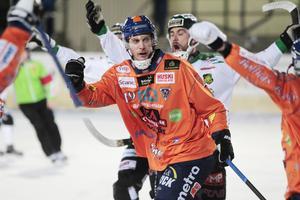 Patrik Nilsson levererar i Bollnäs. I bortamatchen mot Frillesås stod han för tre av fyra mål, i söndagens hemmaretur blev det fyra av nio mål för skarpskytten som nu är uppe i totalt 28 mål.