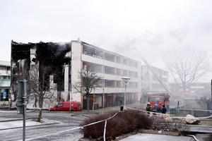 Förra torsdagen brann det på Timmervägen i Södra Ryd och ett hundratal boende evakuerades och kan ännu inte återvända till sina hem.