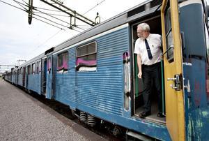 För Björn Fura, lokförare, har det varit vardag sedan 80-talet att köra de blåa pendeltågen. Han är glad över att ett av tågen nu bevaras för framtiden.