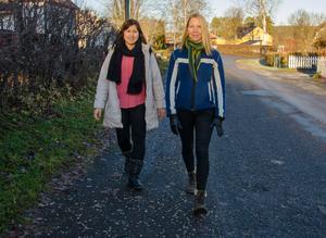 Shirin och Emma tar gärna en promenad tillsammans.