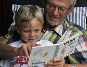 Skribenten ser fördelar med möten mellan yngre och äldre. Foto Hasse Holmberg/TT