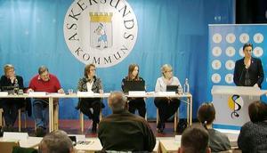 Caroline Dieker (M) i talarstolen när Askersunds kommunfullmäktige fastslog budgeten för 2020.