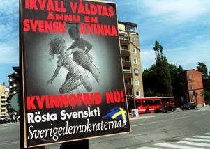 Sverigedemokraternas historia är mörk. Men det är även Centerpartiets. För att inte tala om Vänsterpartiet och inte att förglömma mitt eget partis, Socialdemokraternas, skriver Jan Emanuel Johansson. Foto: Mark Earthy, TT.