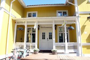 Huset totalrenoverades och utsidan återställdes som den såg ut i original.