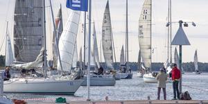 Lördagen den 31 augusti kommer Nynäshamns skärgårdscup att seglas med start utanför piren. När Hyundai Cup tioårsjubilerade 2017 var 158 båtar anmälda.