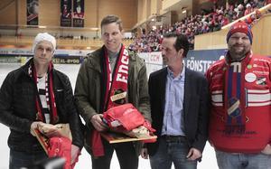 På parad för hyllning; Daniel Välitalo, Daniel Liw, Lars Lind och Clas Blom, Red Farmers.