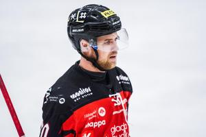 Jonas Lindström  finns med på isen när Hudiksvalls HC inleder säsongen på lördag.