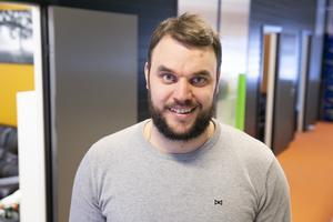 """""""Det här kom som en chock, men jätteroligt och hedrande"""". säger Erik Asp efter att ha fick  priset som Årets unga företagare i Leksand."""