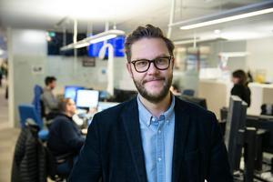 Carl-Johan Bergman, som själv varit chefredaktör och ansvarig utgivare på Dalarnas tidningar, är nöjd och stolt när han nu kan presentera  de fyra nya chefredaktörerna.