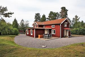 Denna villa på Ösängesvägen i Linghed, Falu kommun, kom på sjätte plats på Dalarnas Klicktoppen för vecka 32. Foto: Therese Sätterlund
